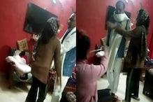 कथित BJP नेता की करतूत, महिला और उसकी बेटी को हॉकी से पीटा, Video Viral