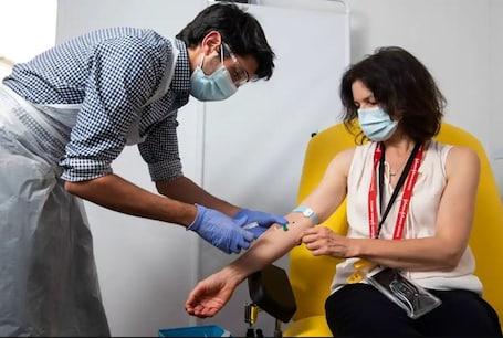Kovid-19 Vaccination (Symbolic Picture)