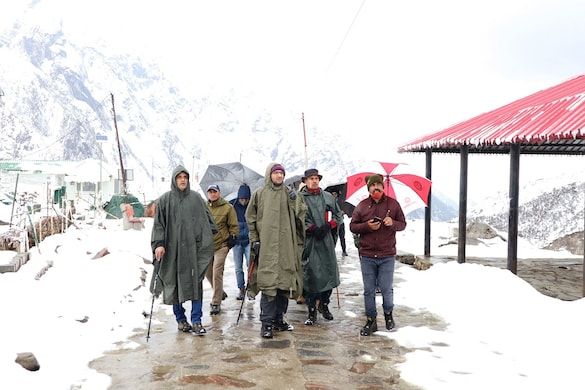 केदारनाथ धाम में दर्शन कराने लेकर जाने वाल घोड़े- खच्चरों का पंजीकरण 25 मार्च से शुरू होगा. (फाइल फोटो)