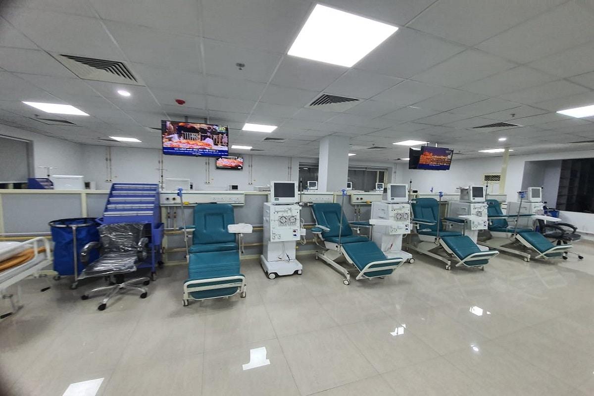 दिल्ली सिख गुरुद्वारा प्रबंधन कमेटी की ओर से खोले गए गुरु हरिकिशन इंस्टीट्यूट ऑफ मेडिकल साइंसेज एंड रिसर्च किडनी डायलिसिस अस्पताल में मरीजों को पूरी तरह मुफ्त इलाज मिलेगा.