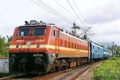 MP News Live Updates:  इटारसी-इलाहाबाद स्पेशल ट्रेन के दो डिब्बे पटरी से उतरे, टला बड़ा हादसा