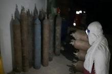 मरीज़ ऑक्सीजन के लिए तड़प रहे हैं और गोदाम में छुपा रखे थे 83 ऑक्सीजन सिलेंडर