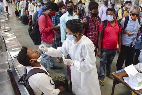 कोरोना के बढ़ते मामलों के मद्देनजर महाराष्ट्र में पहली से 8वीं क्लास तक की परीक्षाएं निरस्त कर दी गई हैं.