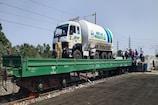 रेलवे क्यों चला रही ऑक्सीजन एक्सप्रेस? जानिए केंद्र कैसे पूरी कर रही डिमांड