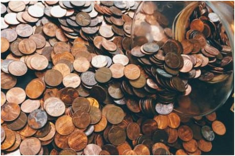 If you are fond of coin collection, then find a coin of 1 rupee, which fetches crores of rupees in it.