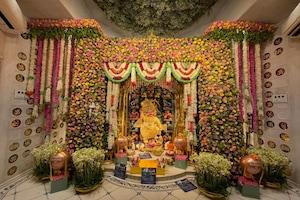 गुजरात में हनुमान जयंती पर पूजा अर्चना, 6.5 करोड़ का स्वर्ण वस्त्र बना आकर्षण