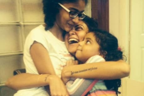 Sushmita loves her children very much.  Photo courtesy- @ sushmitasen47 / Instagram