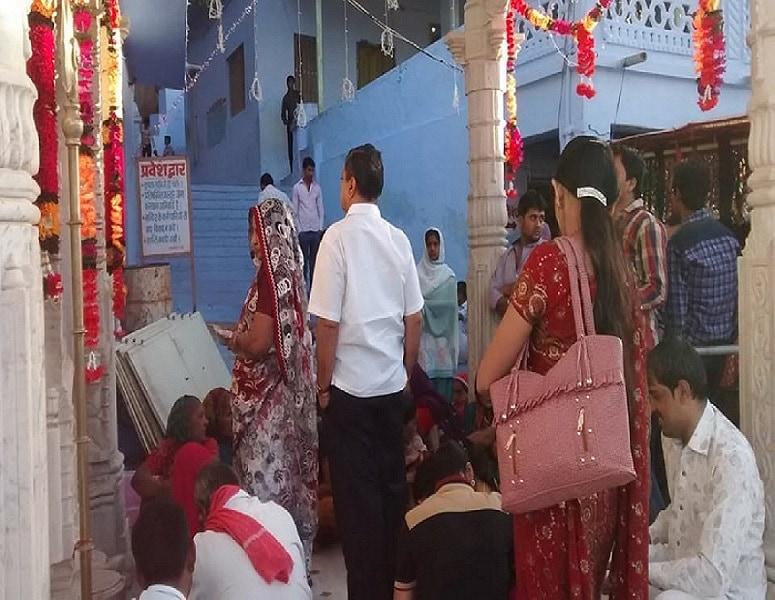 यह देवी परमार और परिहार जाति के राजपूतों की कुलदेवी कहलाईं.