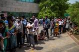 कोरोना: महाराष्ट्र में 58,924 नए केस, दिल्ली में 240 मौतें, राज्यों का हाल