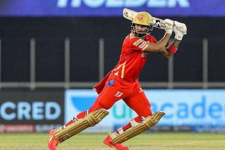 पंजाब के कप्तान केएल राहुल ने आरसीबी के खिलाफ 57 गेंदों की अपनी नाबाद पारी में 7 चौके और 5 छक्के लगाए. (PTI)