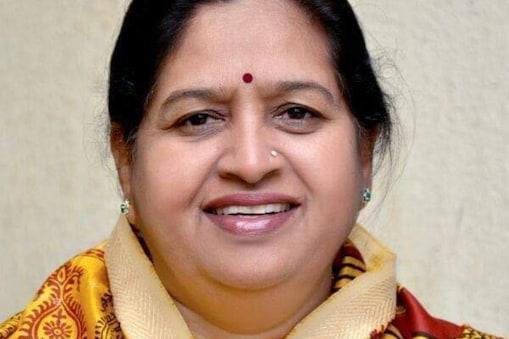 मप्र महिला कांग्रेस की अध्यक्ष मांडवी चौहान कोरोना के खिलाफ जंग हार गईं.