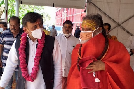 Mahant Narendra Giri, who was suffering from fever, was released by the hospital before the corona report arrived.  Corona now infected.
