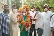 कुलदीप सेंगर की पत्नी का टिकट काट BJP ने पूर्व MLC की पत्नी का कराया नामांकन