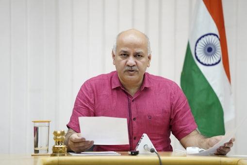 दिल्ली के शिक्षा निदेशालय ने 12वीं तक की कक्षाओं में सेमी ऑनलाइन और ऑनलाइन शैक्षणिक गतिविधियां शुरू करने का फैसला लिया है.