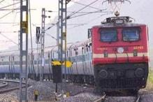 लाखों रेलकर्मियों के लिए अच्छी खबर, अगले आदेश तक सभी तरह के तबादलों पर रोक