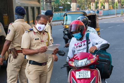 मुंबई सहित महाराष्ट्र के 25 जिले होंगे अनलॉक. प्रतिबंध में मिलेगी छूट. (प्रतीकात्मक तस्वीर: Shutterstock)