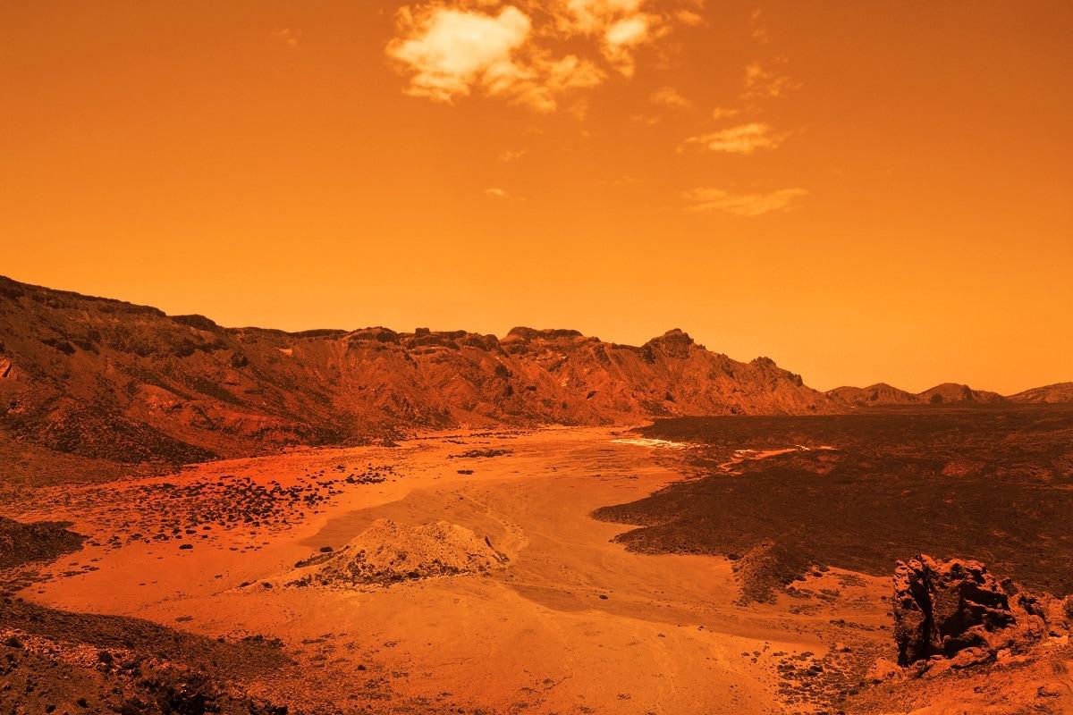 , Space Mars, earth, Iceland, Volcanic Acivity, Geological Acivity, Bacteria,