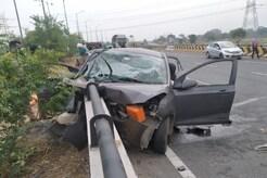 MP News Live Updates: इंदौर-देवास हाईवे पर बबूल के पेड़ में घुसी कार, मौके पर 3 की मौत