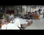 मेडिकल कॉलेज में फर्श पर इलाज कराने को मजबूर हैं मरीज, वीडियो वायरल