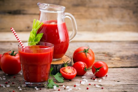 Consuming raw tomatoes or their juice helps strengthen immunity.  Image-shutterstock.com