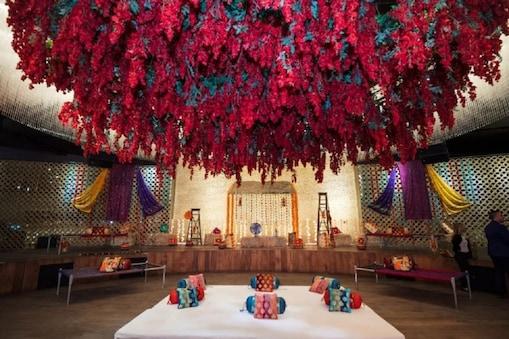 जोड़े ने अपनी शादी का वेन्यू एक चार्टर्ड प्लेन को चुना और मदुरई से बेंगलुरु तक के लिए एक पूरी चार्टर्ड फ्लाइट ही बुक कर ली (फोटो - प्रतीकात्म्क)