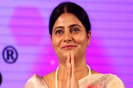 Modi Cabinet Expansion: कौन हैं अनुप्रिया पटेल, जानिए मिर्जापुर से दिल्ली  तक का सफर- Modi Cabinet Expansion Who is MP Anupriya Patel know her journey  from Mirzapur to Delhi upas– News18 Hindi