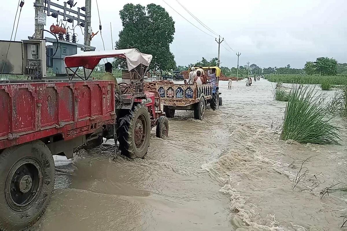 बिहार: गोपालगंज के 100 से अधिक गांवों में पहुंचा बाढ़ का पानी, प्रशासन ने दो जगहों पर काटा सत्तरघाट महासेतु एप्रोच पथ