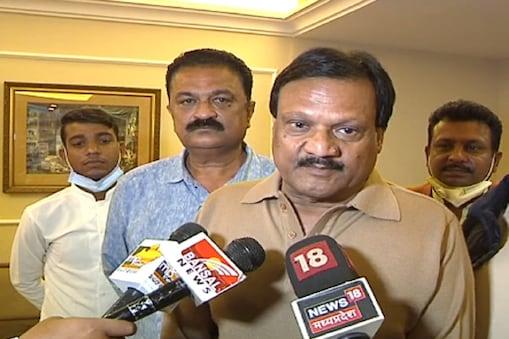 कांग्रेस नेता सज्जन सिंह वर्मा कांग्रेस कमेटी को भंग करने के साथ यूथ ब्रिगेड को मौका दिए जाने की वकालत की है.