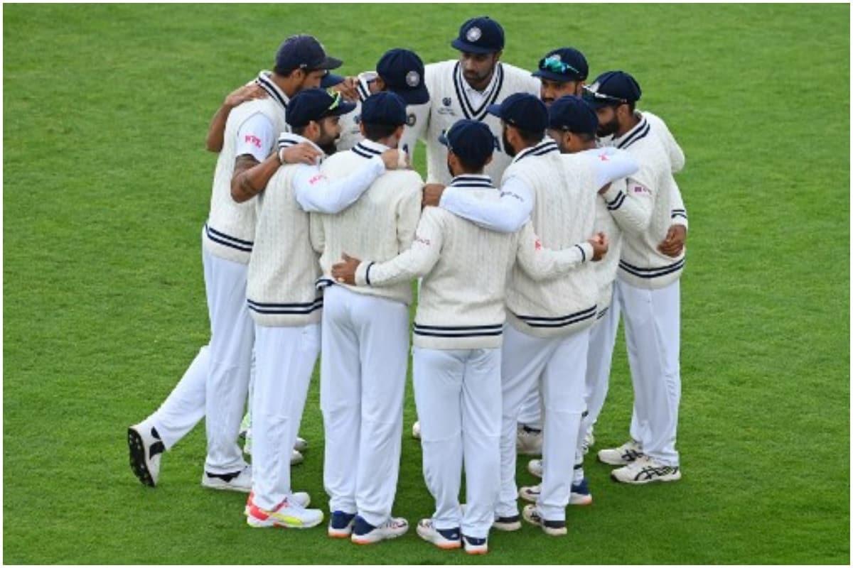 खिलाड़ी लंदन से ही यूके में अपनी पंसदीदा जगहों पर जा रहे हैं. सभी खिलाड़ी 14 जुलाई को लंदन में ही वापस से इकट्ठा होंगे और उसके बाद नॉटिंघम के लिए रवाना होंगे, जहां पहला टेस्ट मैच खेला जाएगा. (AFP)