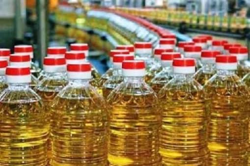 केंद्र सरकार ने खाद्य तेल की बढ़ती कीमतों पर अंकुश लगाने के लिए बड़ा कदम उठाया है.