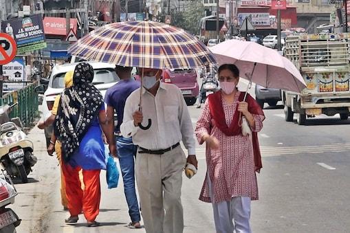 दिल्ली एनसीआर और उत्तर भारत के कई राज्यों में मानसून आने में अभी 6-7 दिन का और वक्त लगेगा.