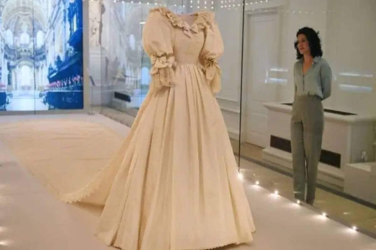 princess diana,diana,Britain, Diana Wedding Gown, Princess Diana, Princess Diana Story, Princess Diana life, Princess Diana wedding, princess diana wedding gown designer