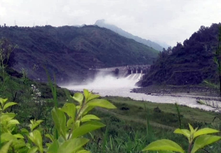 Snow melts beas river water level increased pandoh Dam Gate Opened hpvk