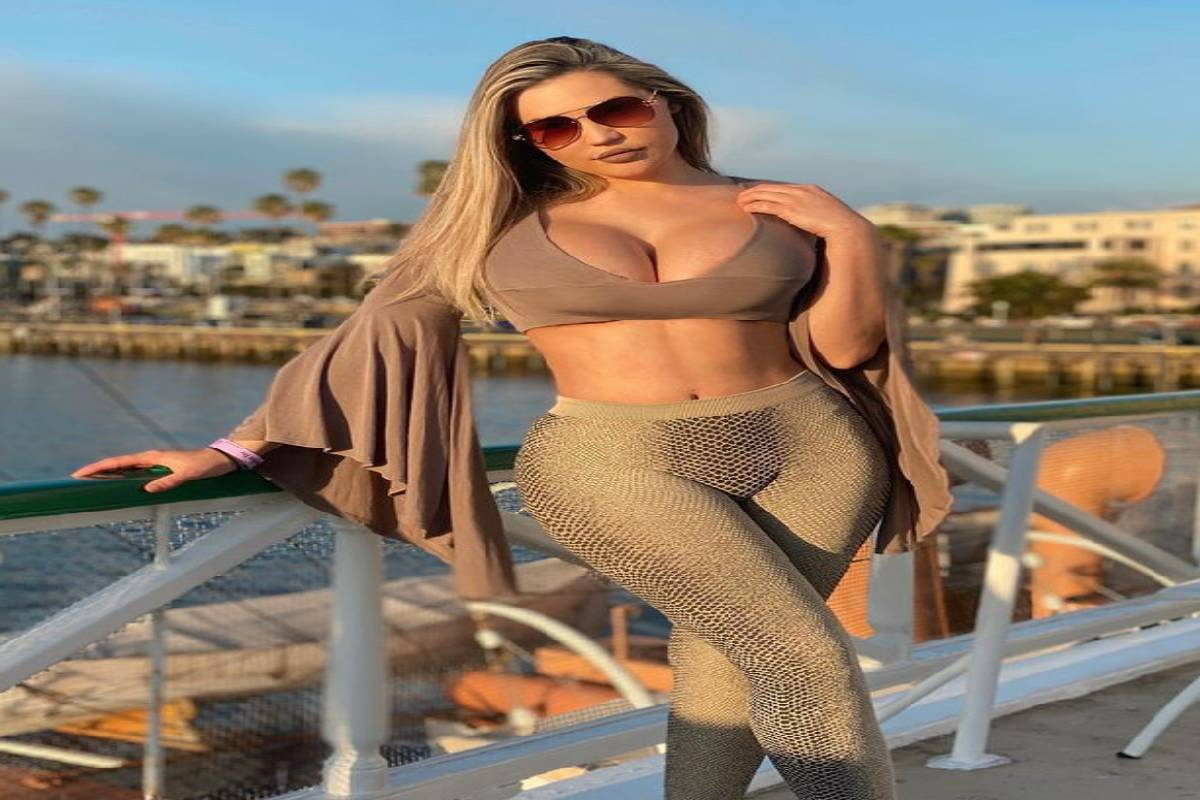 Twitter, hot model, Whitney Paige Venable, florida hot model, banned on twitter, twitter account suspend, Social networking site,Instagram Account, @whitneypaige.tv