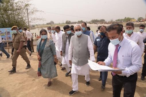 बिहार के सीएम नीतीश कुमार ने अपने पूर्व के संसदीय क्षेत्र को बाढ़ को कई तरह की सौगात दी है (फाइल फोटो)