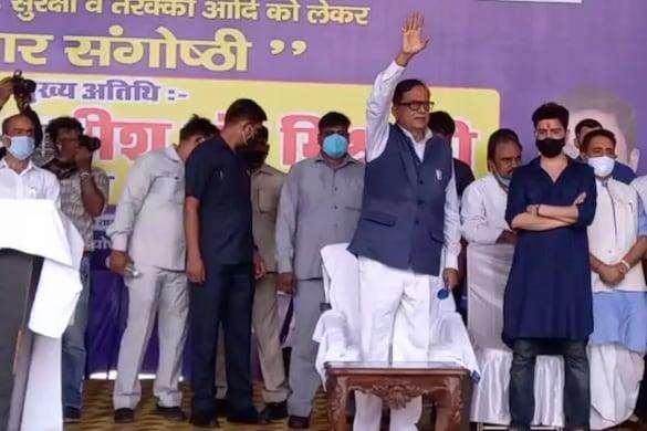 BSP के मंच से लगे 'जय श्री राम' के नारे, सतीश चंद्र मिश्रा बोले- मंदिर नहीं बनवाना चाहती BJP