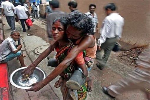 मुख्य सचिव व प्रशासकों से आग्रह किया गया है कि देशभर के सभी बेघर और बेसहारा लोगों को टीकाकरण में प्राथमिकता दी जाए. (File photo)