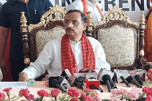 डिप्टी सीएम दिनेश शर्मा ने आगामी यूपी विधानसभा चुनाव के मद्देनजर अपनी पार्टी और सरकार के विरोधियों पर जमकर हमला बोला