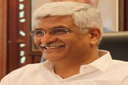विधायक खरीद फरोख्त मामले में केंद्रीय मंत्री गजेंद्र सिंह की मुश्किलें बढ़ती दिख रही हैं. (फाइल फोटो)