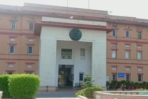 डीओपी ने आरएएस से आईएएस में प्रमोशन के लिए रिक्त 17 पदों के विरुद्ध 51 नाम भेजे हैं.