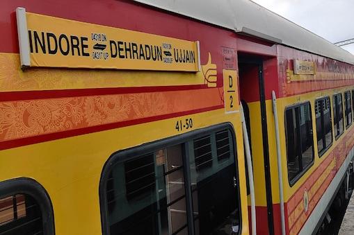 भारतीय रेलवे ने अपने परंपरागत आईसीएफ कोच  के स्थान पर आधुनिक लिंक हॉफमैन बुश कोच लगाने की कार्रवाई और तेज कर दी है. (File Photo)