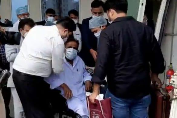 आजम खान इन दिनों खराब तबियत के चलते मेदांता अस्पताल में भर्ती हैं. (फाइल फोटो)