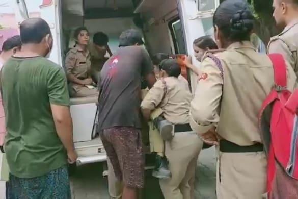 मैनपुरी में ट्रक से जा टकराई NCC कैडेट्स की बस