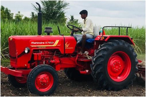 केंद्र सरकार ट्रैक्टर खरीदने में किसानों को 50 फीसदी छूट दे रही है.