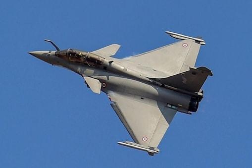 भारत ने 36 राफेल लड़ाकू विमानों के लिए फ्रांस से सौदा किया था. (पीटीआई फाइल फोटो)