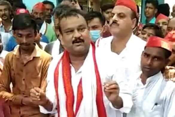 शाहजहांपुर में सपा के पूर्व विधायक राजेश यादव का एक बयान का वीडियो वायरल हो रहा है.