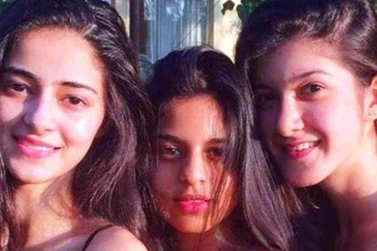 किंग खान शाहरुख खान की बेटी सुहाना खान भी अपनी दोस्ती की वजह से चर्चा में रहती हैं. चंकी पांडे की बेटी और फिल्म स्टार अनन्या पांडे और शनाया कपूर की चाइल्डहुड फ्रेंड हैं. तीनों सोशल मीडिया पर अक्सर अपनी तस्वीरों को साझा कर फ्रेंडशिप गोल्स देती हैं.फाइल फोटो