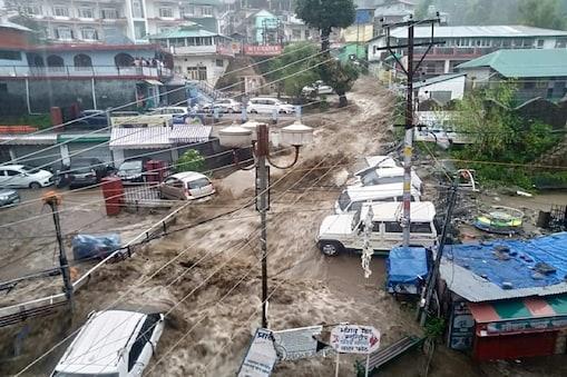 हिमाचल प्रदेश, में आई अचानक बाढ़ क्या होता है बादल का फटना आइए समझते हैं