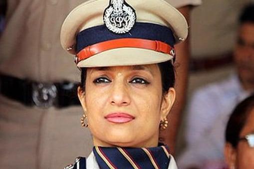 हरियाणा की चर्चित पुलिस अधिकारी भारती अरो़ड़ा अब भक्ति की राह पर जाना चाहती हैं.