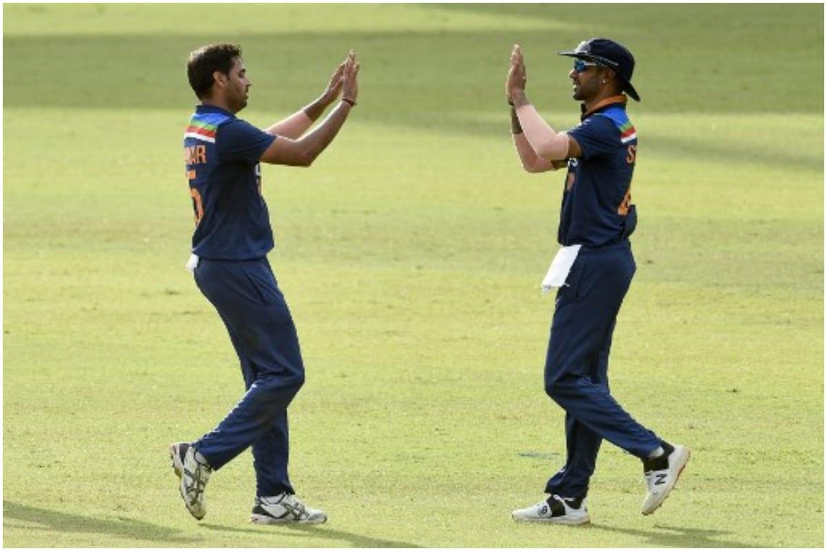 IND vs SL: दो अर्धशतक के सहारे श्रीलंका ने बनाए 275 रन, चहल और भुवनेश्वर को 3-3 विकेट